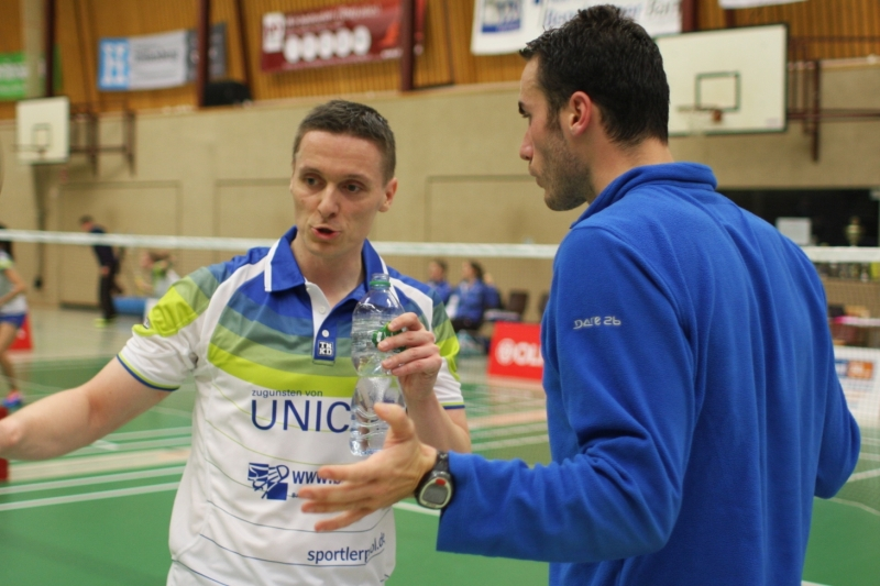 Kai Waldenberger wird von Denis Nyenhuis zum Sieg gecoacht